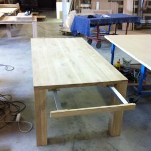 verlengbare tafel, verlengbare eiken tafel, eiken tafel verlengbaar, tafel met aansteekbladen, eiken tafel aansteekblad, eiken tafel verlengen
