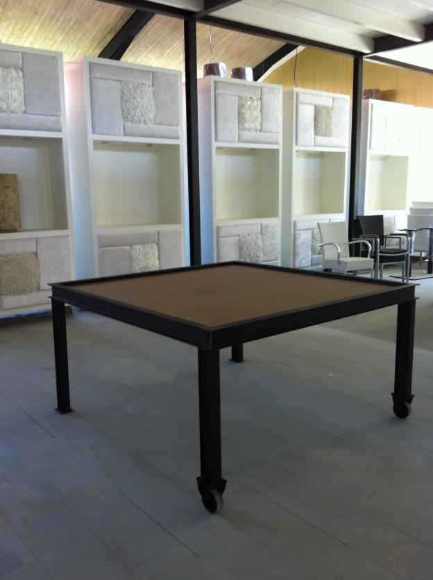 tafel gietijzer, gietijzeren tafel, tafel met ijzer, industriële tafel, tafel horeca, tafel restaurant, tafel hotel, tafel ijzer