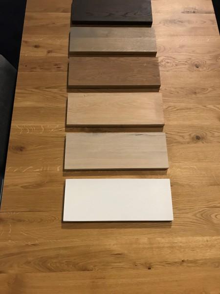 kleurstalen eiken tafel