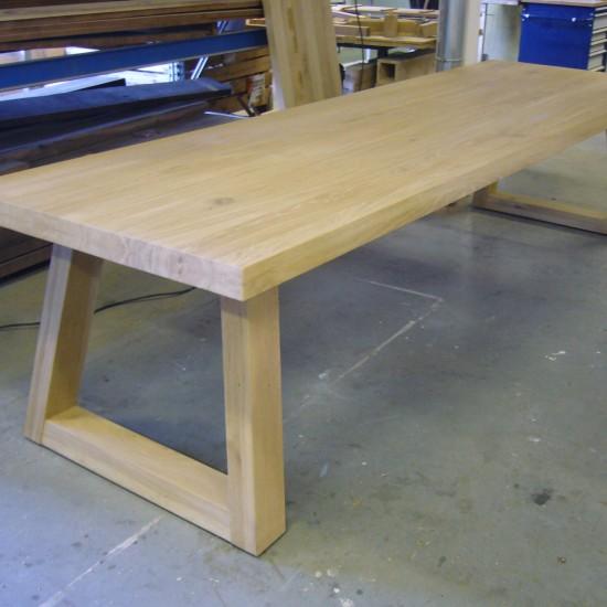 Eiken tafel model MASTER gespiegeld