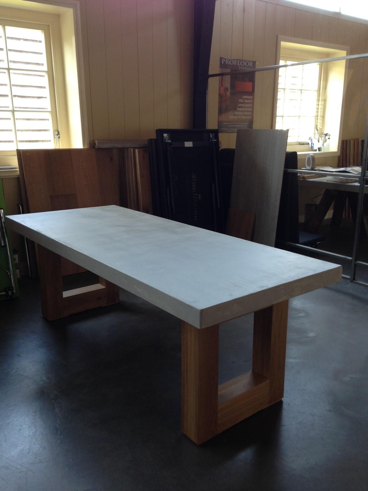 Model concrete de eiken tafel nl for Eiken tafel