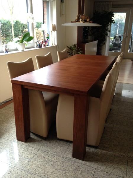 uitschuifbare tafel STRETCH in kersenkleur