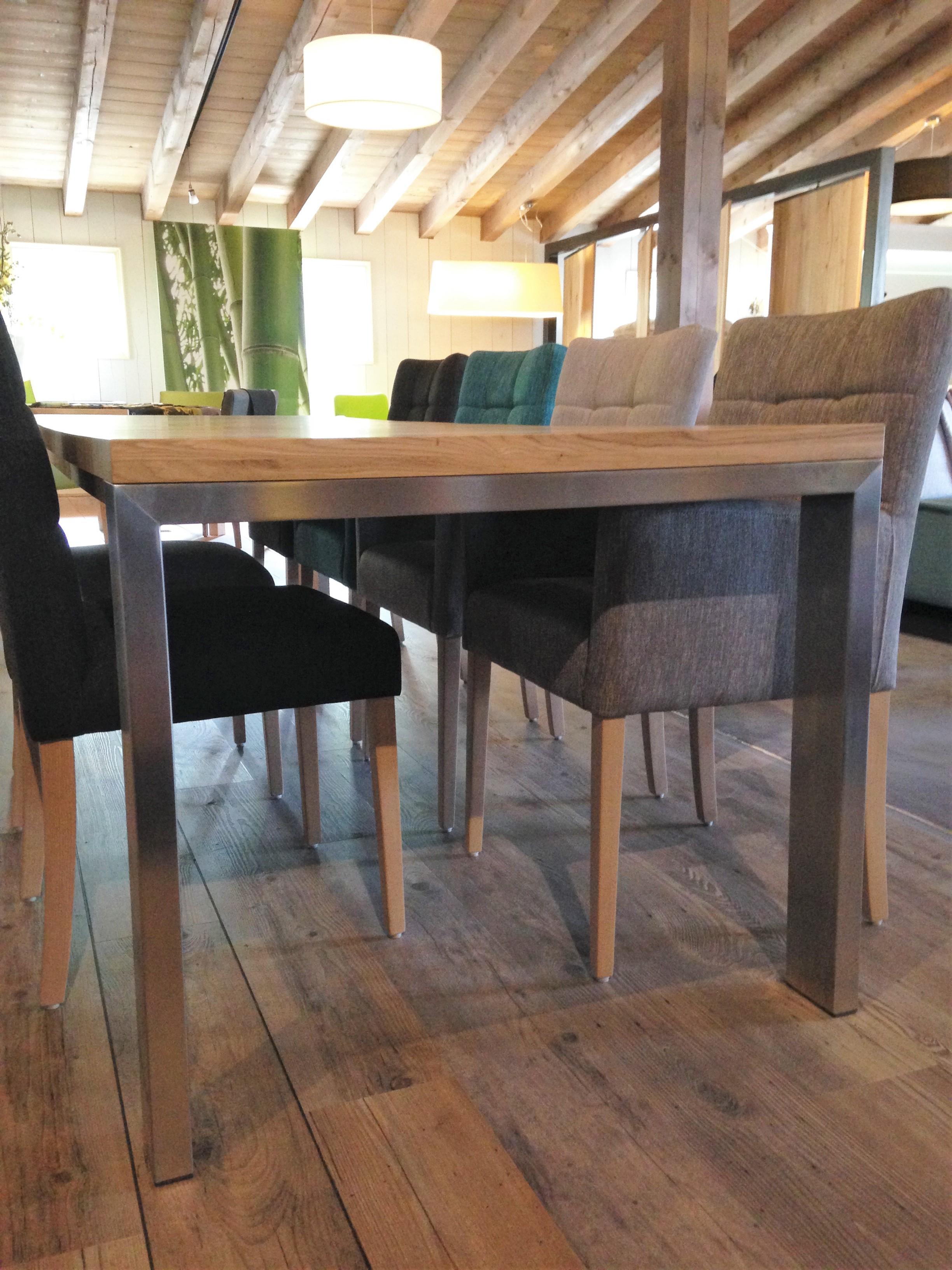 Uitschuifbare Eettafel Donkerbruin.Model Stretch Rvs